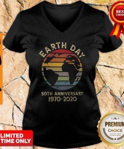 Official Retro Earth Day 50th Anniversary 1970 Retro Sunset V-neck
